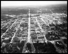 AUSTIN_1950 aerial 2 CONGRESS (looking South)